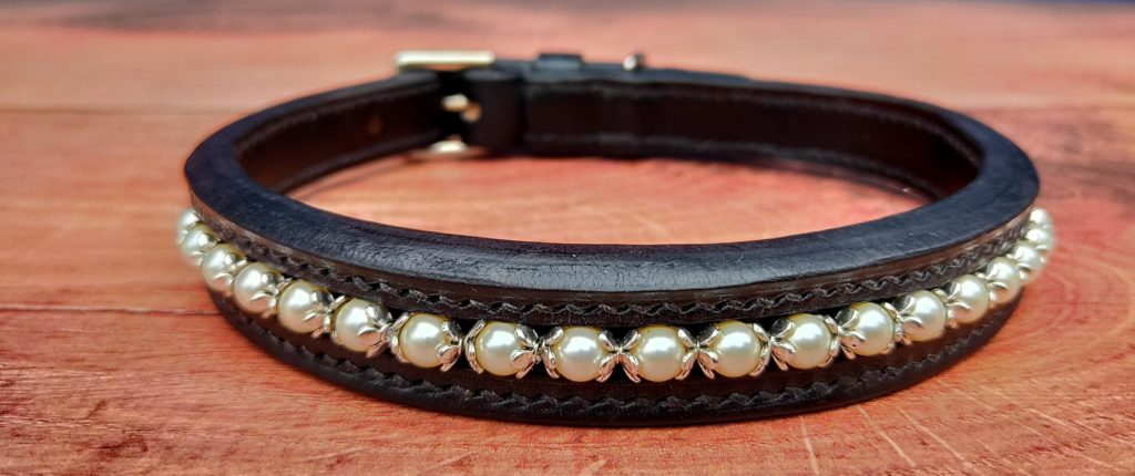 Swarovski pearl leather dog collar
